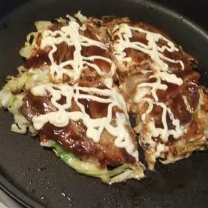 晩飯にお好み焼き。