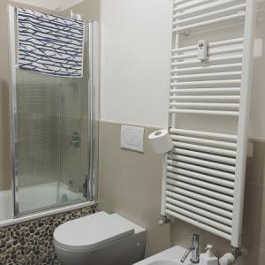 ダイニング・バスルーム・キッズルームのイタリア式暖房