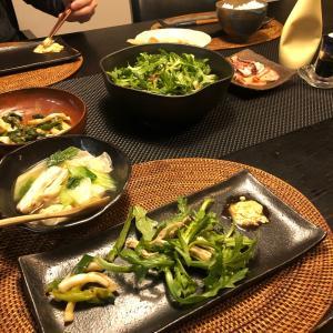 今夜の晩ご飯〜♪ 新玉葱の葉と剣先イカのヌタ和え