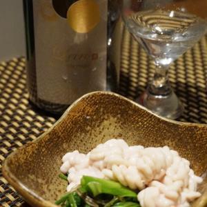 白子と芹のポン酢和え、蛸の湯引きと若芽の酢の物、〆鰯の芹巻き、ナマコと鰤の酒盗の山葵和え、穴子