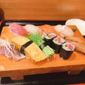 昼から鮨で一献、久々の「だるま寿司」さん