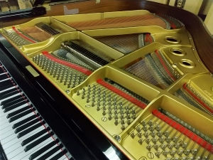 グランドピアノの納品