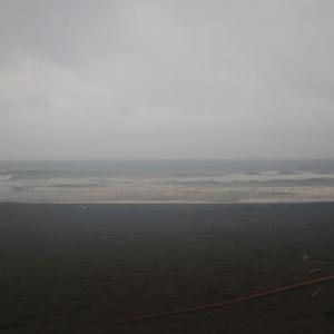 土砂降り雨と伊勢海老