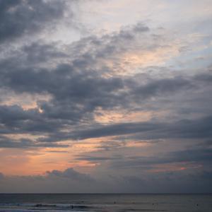 台風スウェル前の小波。。。