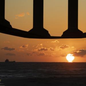 潮騒橋と夕陽