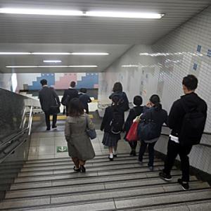 【駅はかなり混んでいる雰囲気】でしたが・・・さあて・・・