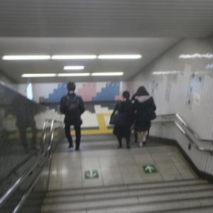 【駅に着くと、まだ混んでいない予感・・・】がしたんですが・・・・
