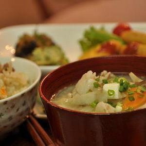 あ〜秋キャン行きたい行きたい行きたい!塩サバとご飯それと味噌汁の和風メシ