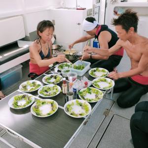 船上のレストラン♪本当にダイビングショップ??