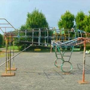 人気の飛行機型遊具 高松公園 (静岡県静岡市駿河区宮竹1‐229)