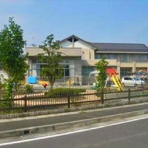 遊具のあるにこにこ広場と図書室 青島北地区交流センター (静岡県藤枝市南新屋14‐1)