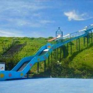 大人気の長さ51mのジャンボ滑り台 タートルスライダー マリンパーク御前崎 (静岡県御前崎市港6104-9)