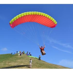 「走れ!飛べ!」パラグライダー体験から得る起業初期の学び