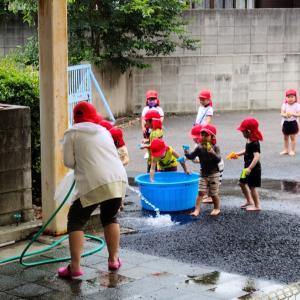 体育指導の後の水遊び♫
