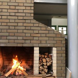 鳴沢村の家の暖炉