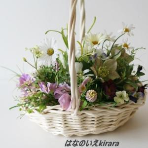 バスケットにお花を