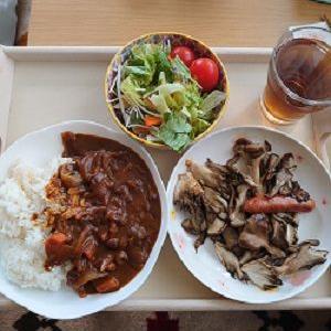 今日の昼ごはんはガッツリ大盛で!!