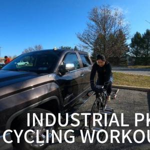 コロナウィルス蔓延で自転車競技場が閉鎖されたので、工業団地の倉庫群で練習