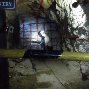 地下4000メートルの世界へ