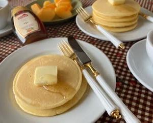 シンプルなパンケーキで  おうちカフェの始まり♬