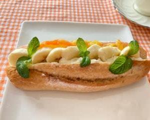 お昼はバナナクリームサンドで簡単に 夜ご飯は~♬