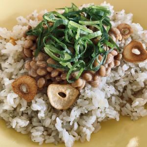 和食なんだか、何なんだか?ガーリックライス&カブの炒め物
