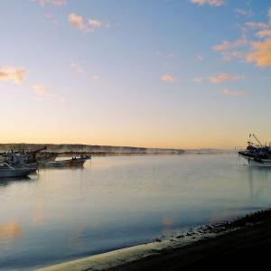霜月の漁港
