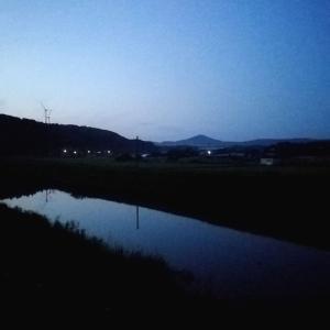 日暮れの能登富士