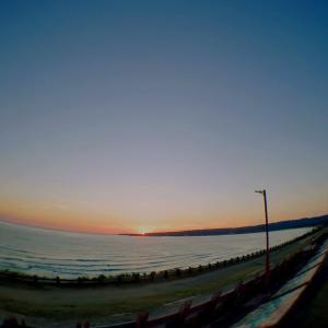 世界一長いベンチからの夕日
