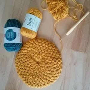 ダイソーの毛糸で編む