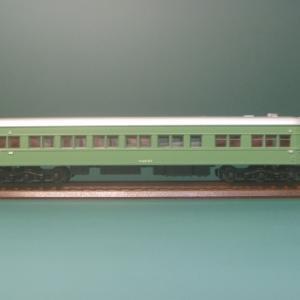 ブドウ色1号の客車 17 スシ37という食堂車 3