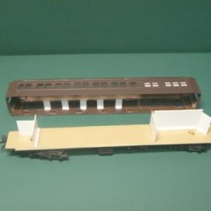 ブドウ色1号の客車 21 マシ29完成