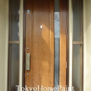 当然ですが木製玄関ドアは放置すると劣化が進みます!