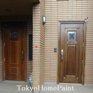木製玄関ドア再塗装 紫外線強弱の差
