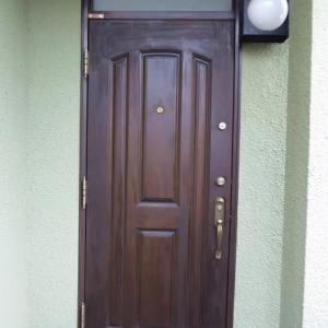 アイカ木製玄関ドアの再塗装