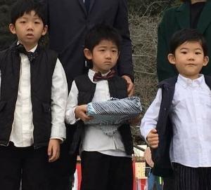 鹿児島の七草祝のふろしき包み♪子どもの健やかな成長を祈る七草粥をもらう重箱を包むのは風呂敷