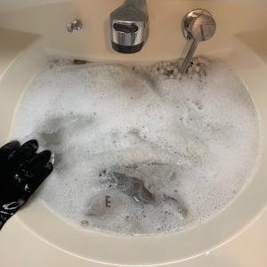 アワアワお風呂の排水口掃除!と週一マット類のオキシ漬け。