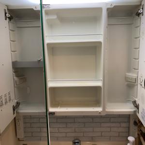洗面所の大掃除〜鏡裏のお掃除と収納です。