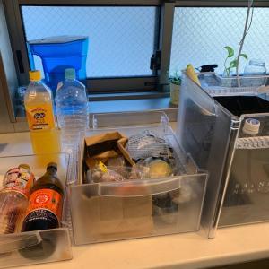 冷蔵庫の中、裏、上と外のお掃除を一気に!!!