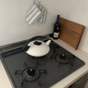 キッチン収納その③~コンロ下の引き出し。鍋は4つだけ!