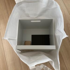 無印良品で久々のヒット商品!ファイルボックスにキャスターですっきり収納。