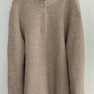 UNIQLOのミドルゲージハーフジップセーターが気持ちいい★失敗したスリッパ購入。