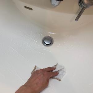 メイクの合間に洗面所掃除!とダンナの一言にショックだー(T-T)