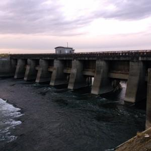 ひとり海へ向かった春の日に ―関宿城と水閘門―