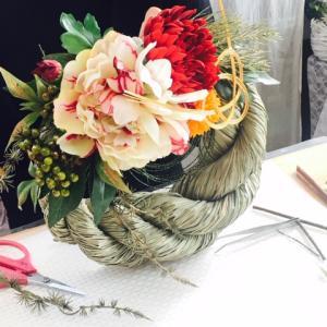 好きなお花を選んで作れるしめ縄レッスン♪