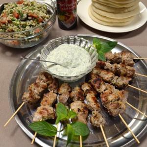 ギリシャの串焼き スブラキ