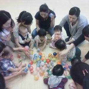 おうち遊びに困らない!自宅育児中のママのおうた遊びレパートリーが増えるリトミック教室