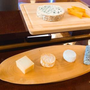 【無事にセミナーが終りました】フレッシュさが違う!6種類の特徴のあるチーズを目の前でカットして皆さまにお召し上がりいただきました