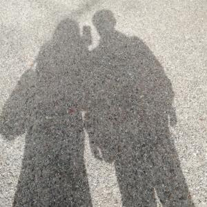 ふたりの寄り添う影