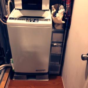 洗濯機周りと上の棚の掃除